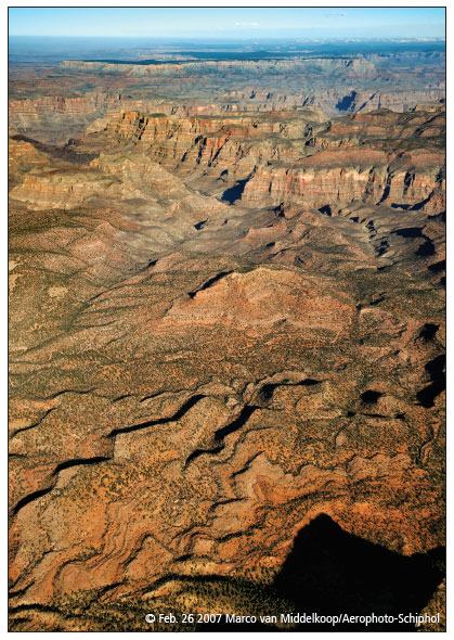AERIAL VIEW OVER GRAND CANYON